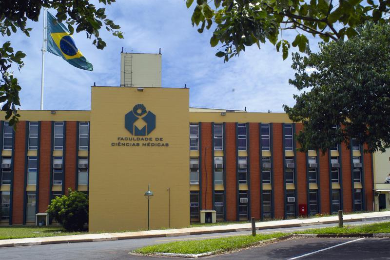 Unicamp - Universidade Estadual de Campinas Bandeira_fachada