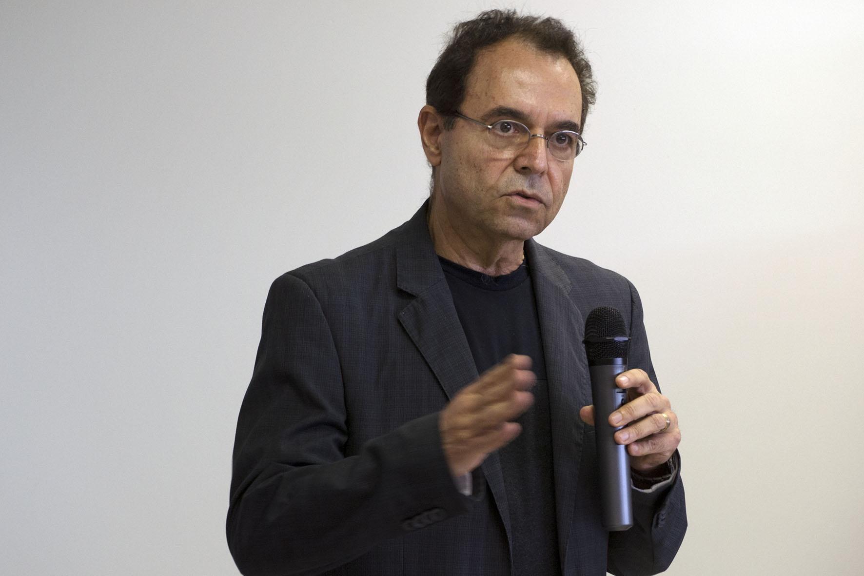 Luis Alberto Magna, pró-reitor de Graduação da Unicamp. Foto: Marcelo Oliveira. CADCC-FCM/Unicamp
