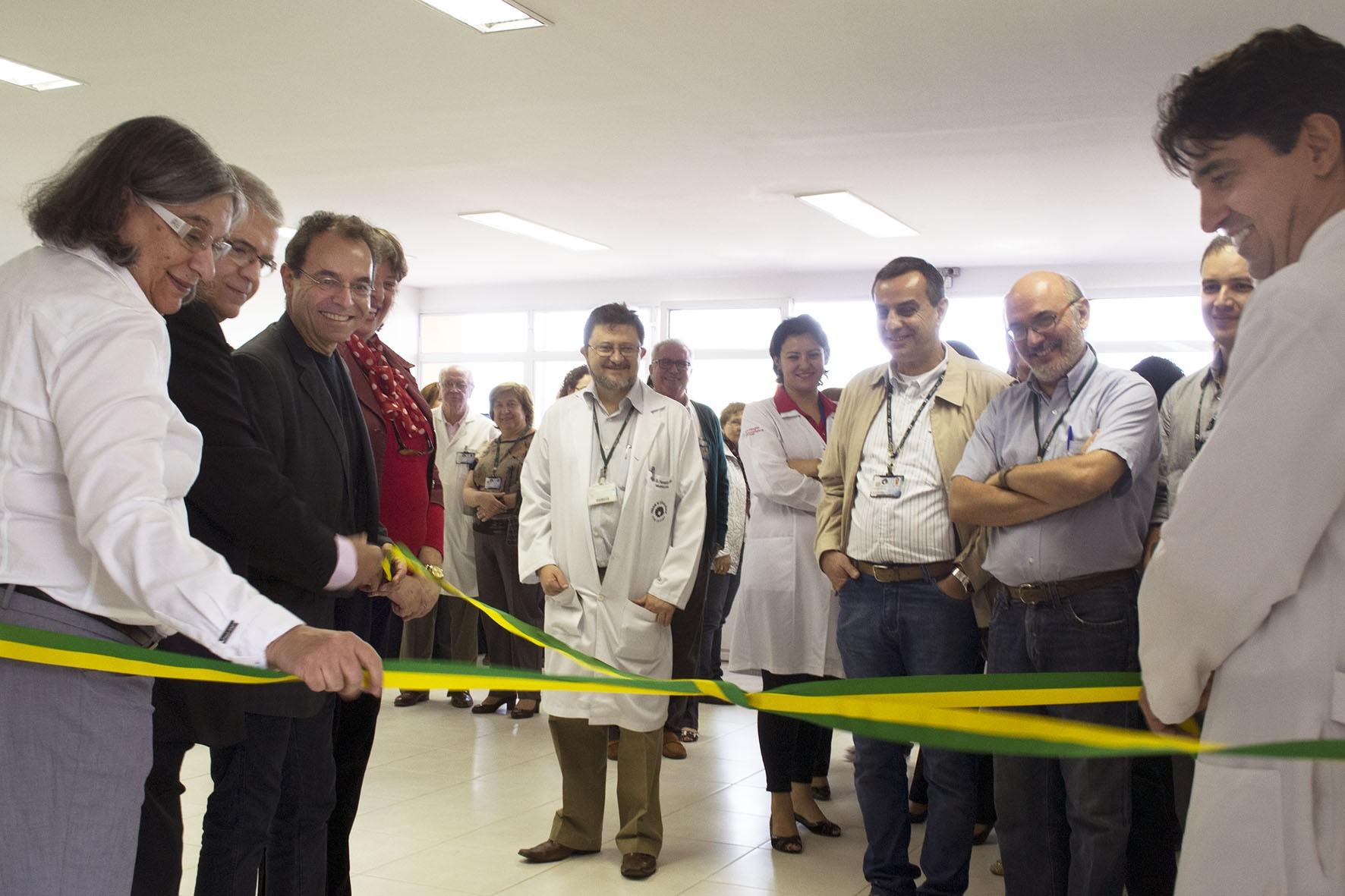 Descerramento da faixa de inauguração do CPC. Foto: Marcelo Oliveira. CADCC-FCM/Unicamp