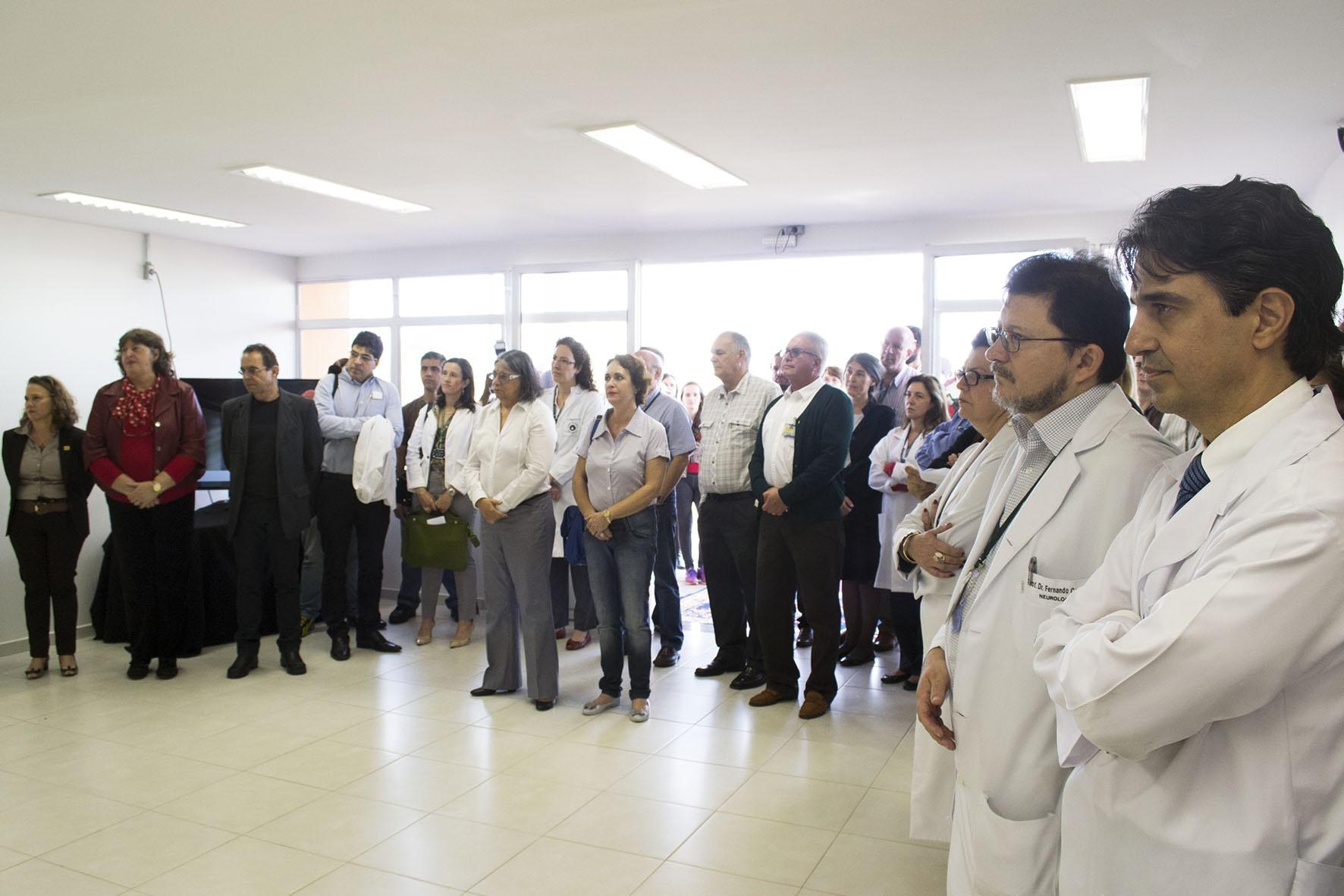 Professores da FCM prestigiam a inauguração do CPC. Foto: Marcelo Oliveira. CADCC-FCM/Unicamp