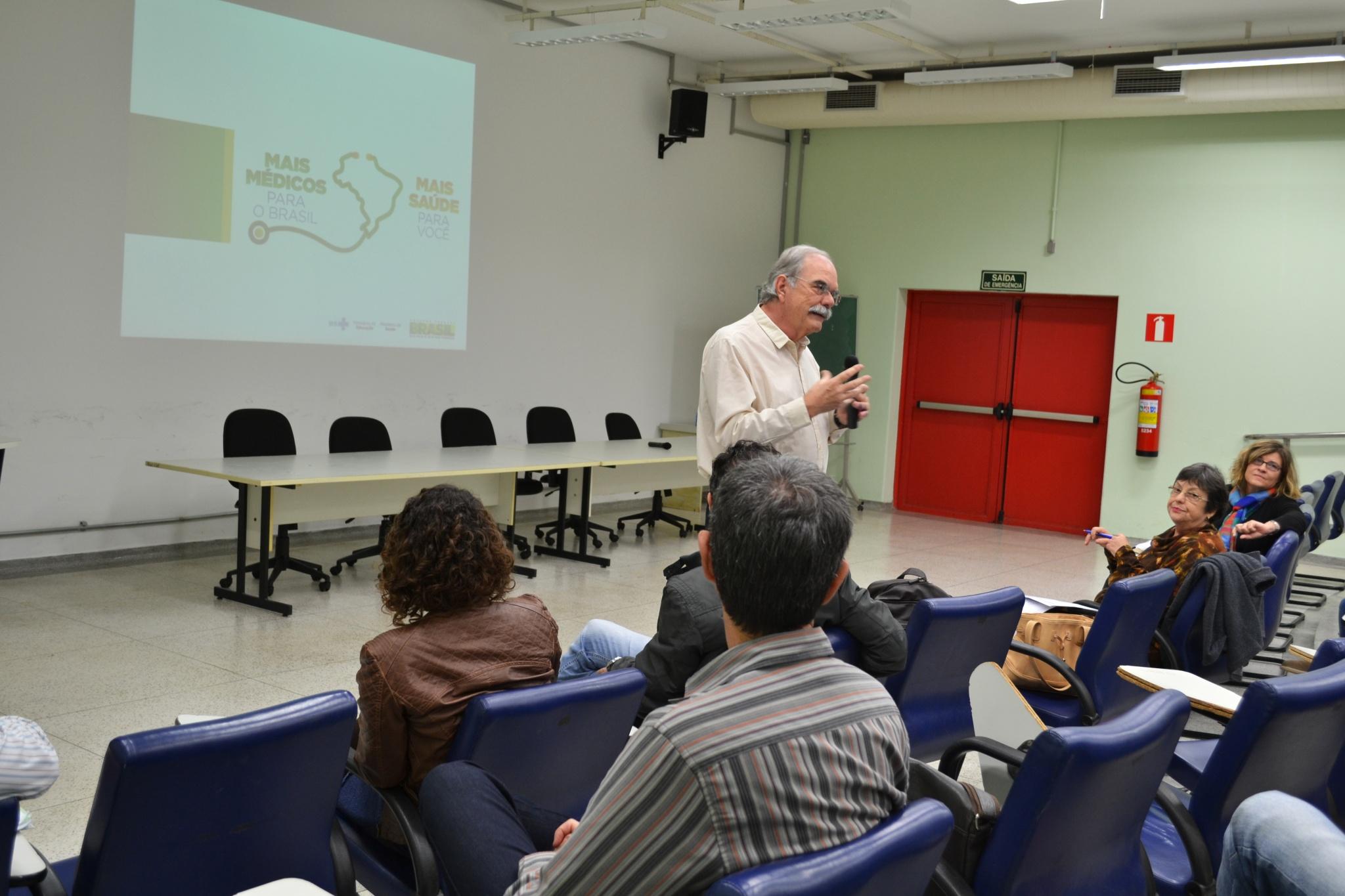 Para o professor Aguinaldo Gonçalves, da PUC-Campinas,obstáculos para atuação integrada tem sido superados/Foto: Camila Delmondes