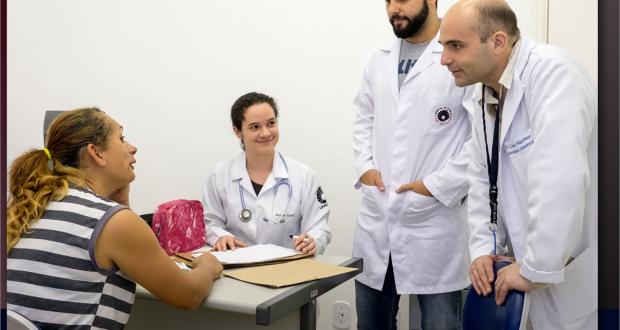Na Educação em Saúde, o graduando em Medicina deverá aprender em situações e ambientes protegidos e controlados.