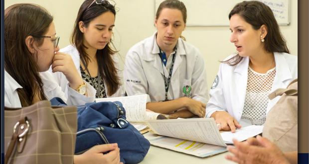 Na Gestão em Saúde, o médico egresso participará da Tomada de Decisões, de modo a melhorar o acesso integral à saúde e o desenvolvimento científico e tecnológico.